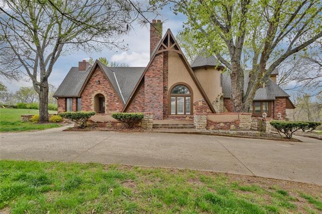 13330 Kimberly Circle Property Photo - Olathe, KS real estate listing