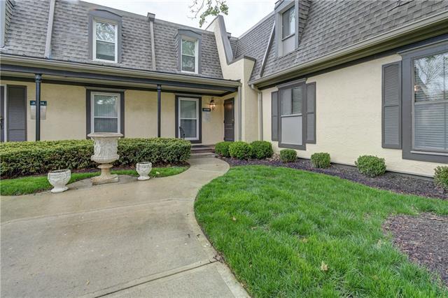 10700 Glenwood Street #E Property Photo - Overland Park, KS real estate listing