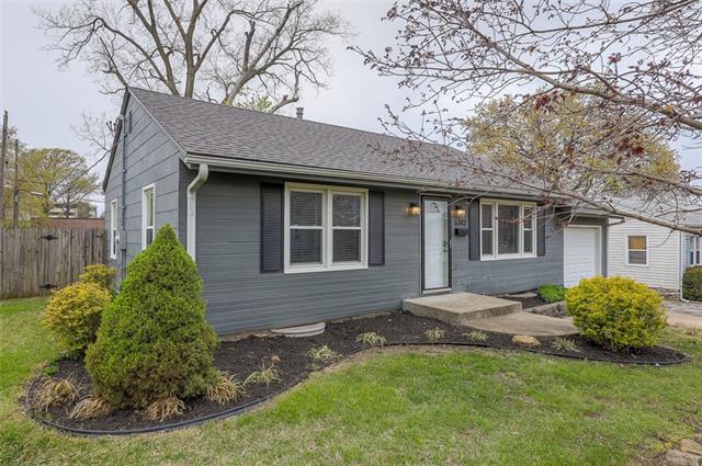 6342 Monrovia Street Property Photo - Shawnee, KS real estate listing