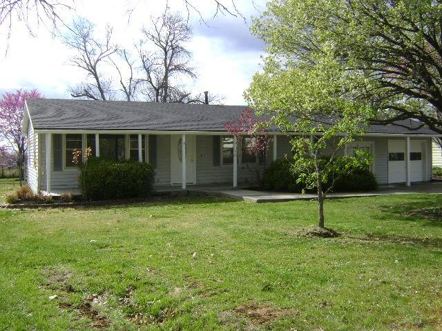 209 Westview Street Property Photo - McLouth, KS real estate listing