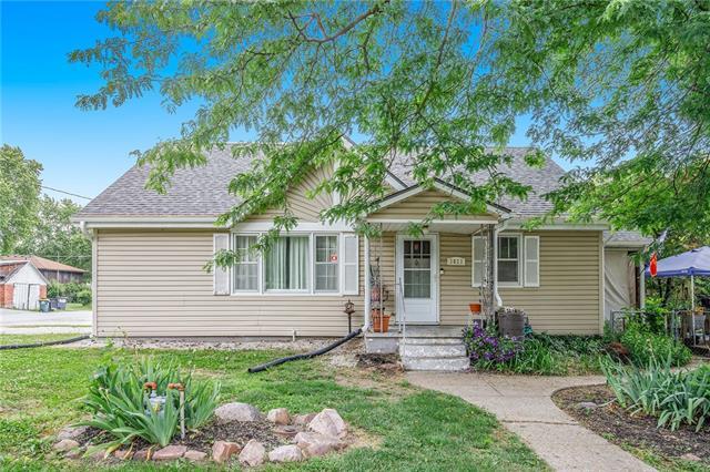 2823 N 155th Street Property Photo