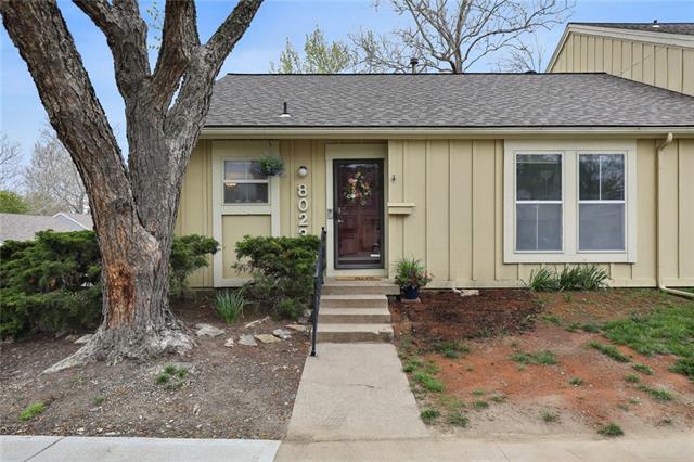 8023 Halsey Street Property Photo - Lenexa, KS real estate listing