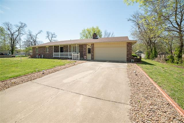 444 E 2nd Avenue Property Photo - Garnett, KS real estate listing