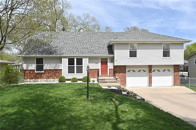 1316 NE 74th Street Property Photo - Kansas City, MO real estate listing