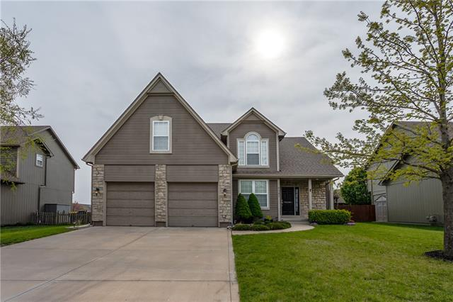 8387 Timber Ridge Drive Property Photo - De Soto, KS real estate listing