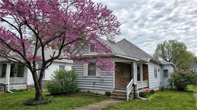925 S Hickory Street Property Photo - Ottawa, KS real estate listing