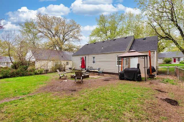 5011 Rosewood Drive Property Photo - Roeland Park, KS real estate listing
