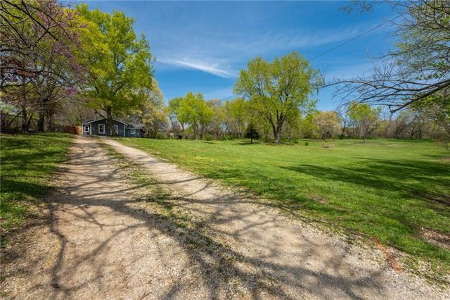 300 N 3rd Street Property Photo - Louisburg, KS real estate listing