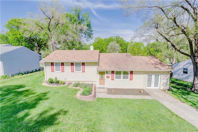 5335 N Smalley Avenue Property Photo - Kansas City, MO real estate listing