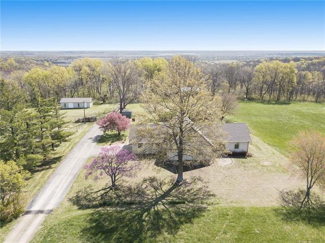21476 219th Street Property Photo - Tonganoxie, KS real estate listing