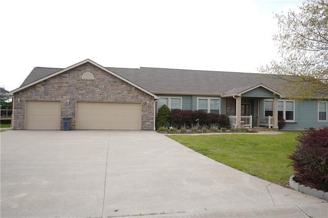 11656 Ridgeway Court Property Photo - St Joseph, MO real estate listing