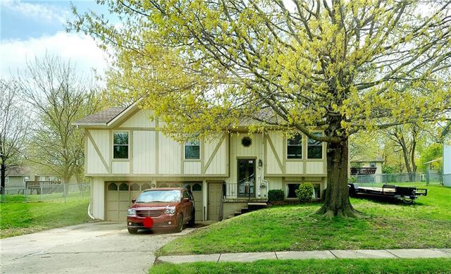 714 Foster Lane Property Photo - Warrensburg, MO real estate listing