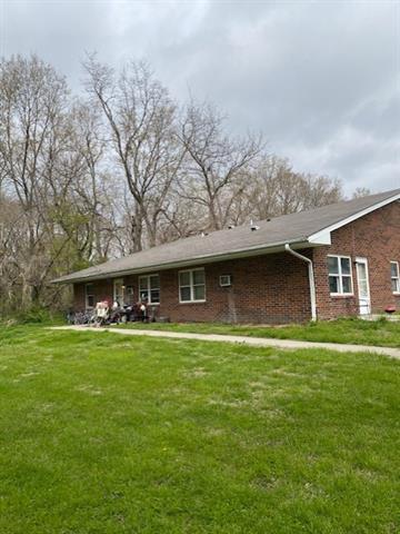 408 W 1st Street Property Photo 2