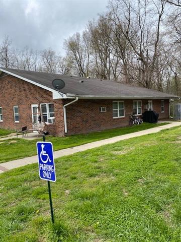 408 W 1st Street Property Photo 3