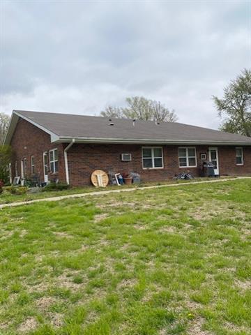 408 W 1st Street Property Photo 10