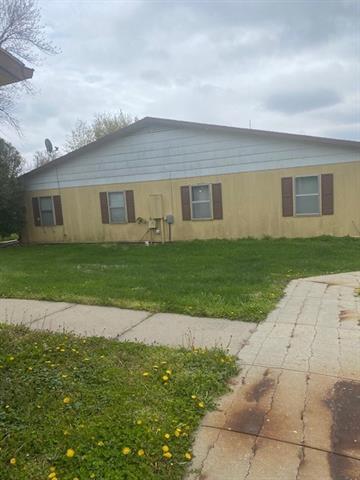 408 W 1st Street Property Photo 17