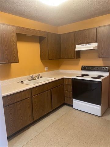 408 W 1st Street Property Photo 20