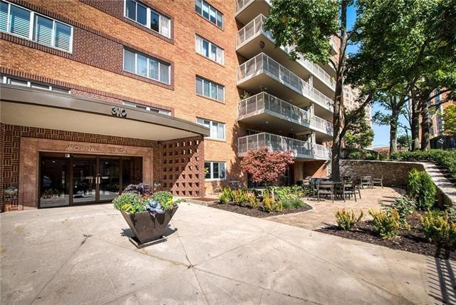 310 W 49th Unit #803 Street #803 Property Photo - Kansas City, MO real estate listing