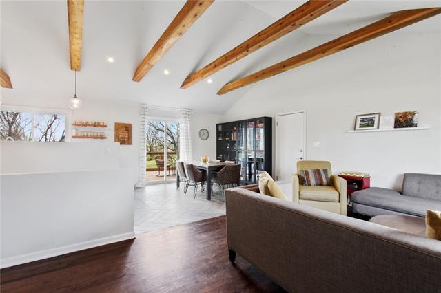 Center Real Estate Listings Main Image