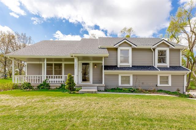 1521 E 129th Street Property Photo - Kansas City, MO real estate listing