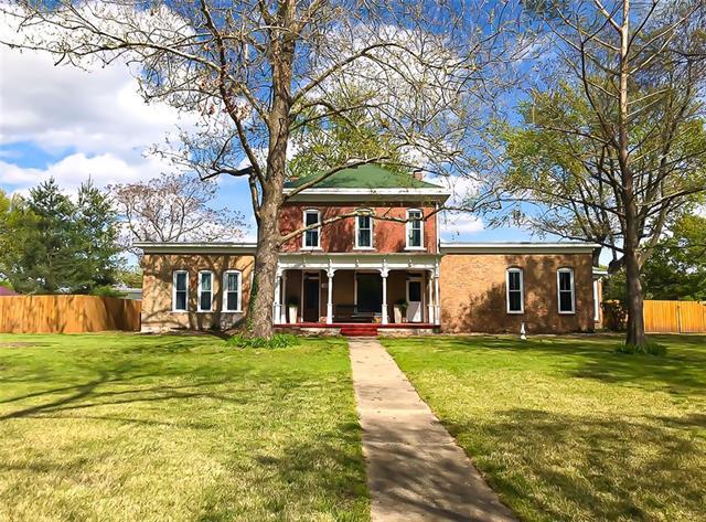 527 S Cedar Street Property Photo