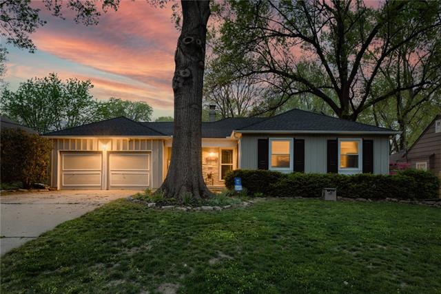 3812 W 52nd Place Property Photo - Roeland Park, KS real estate listing