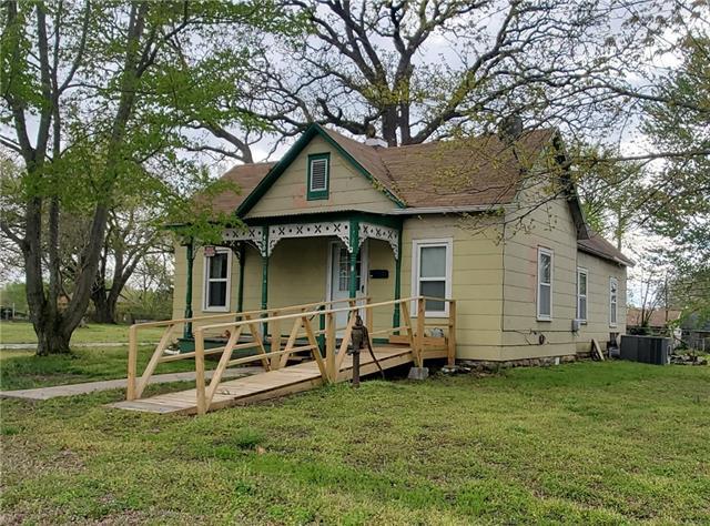 400 S Forest Street Property Photo - El Dorado Springs, MO real estate listing