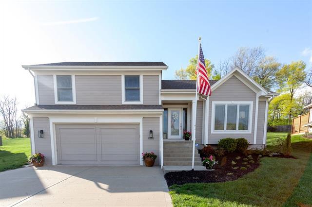 3904 NW 52nd Terrace Property Photo - Kansas City, MO real estate listing