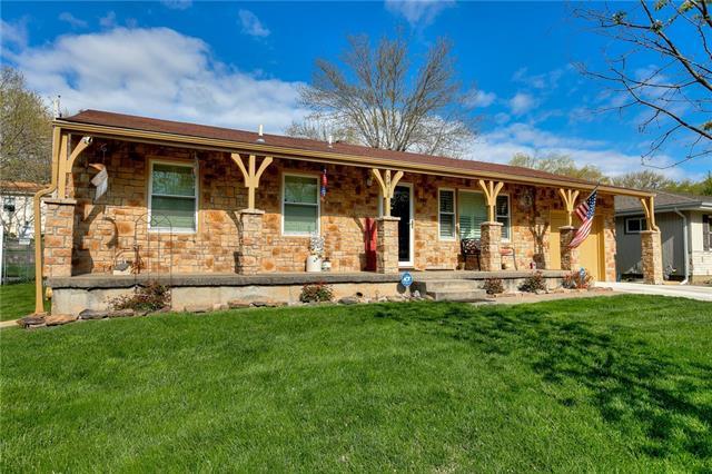 5418 N Highland Avenue Property Photo - Kansas City, MO real estate listing