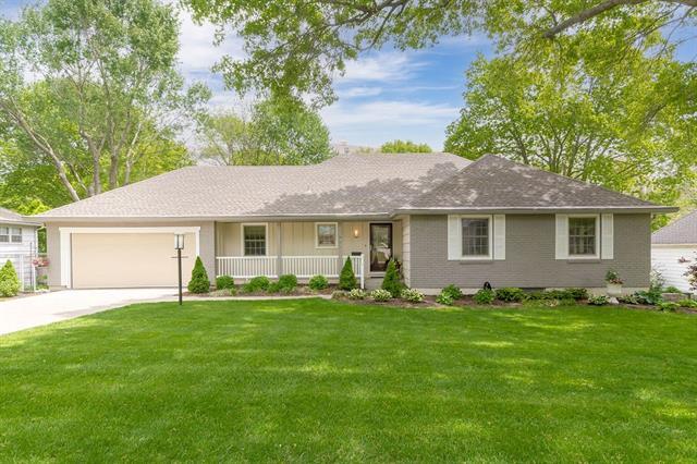 7929 Roe Avenue Property Photo - Prairie Village, KS real estate listing