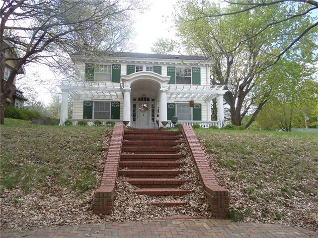 1601 Main Street Property Photo - Lexington, MO real estate listing
