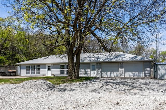1701 NW 450th Road Property Photo - Kingsville, MO real estate listing
