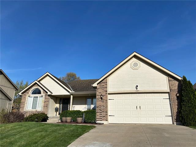 309 SE Battery Drive Property Photo - Lee's Summit, MO real estate listing