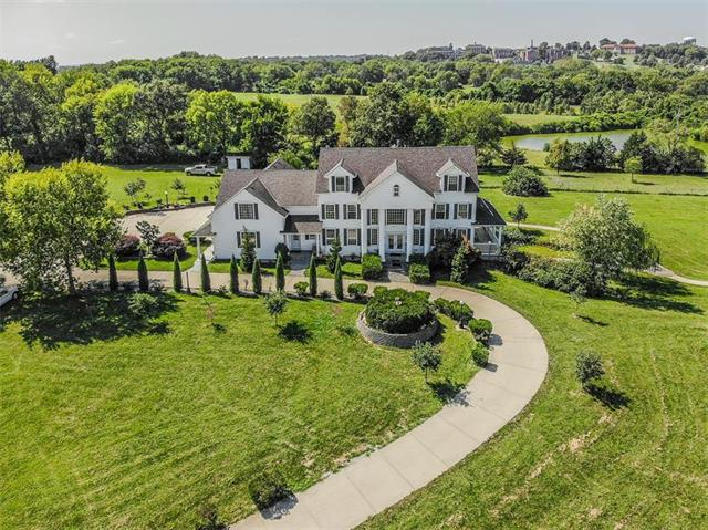 102 N La Frenz Road Property Photo - Liberty, MO real estate listing