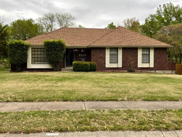 7305 N Flora Avenue Property Photo - Gladstone, MO real estate listing