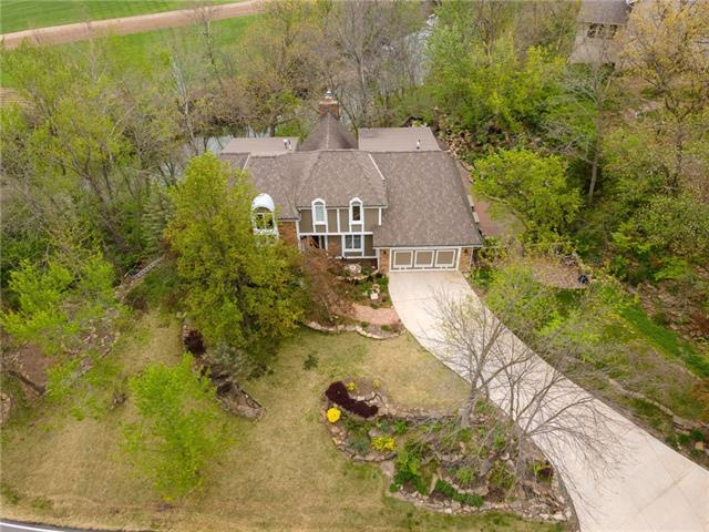 2852 W 160th Terrace Property Photo - Stilwell, KS real estate listing