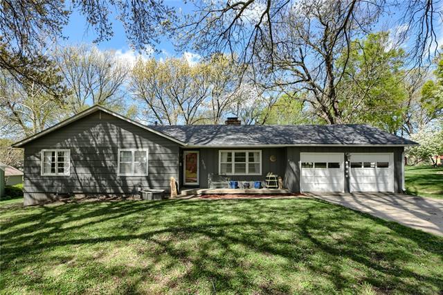 5620 CODY Street Property Photo - Shawnee, KS real estate listing
