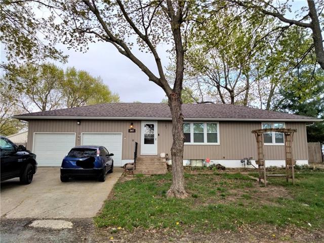 507 Vernon Street Property Photo - Buckner, MO real estate listing