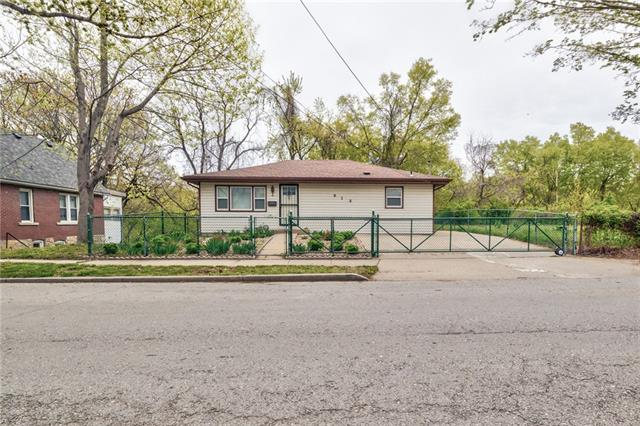 313 Montgall Avenue Property Photo - Kansas City, MO real estate listing