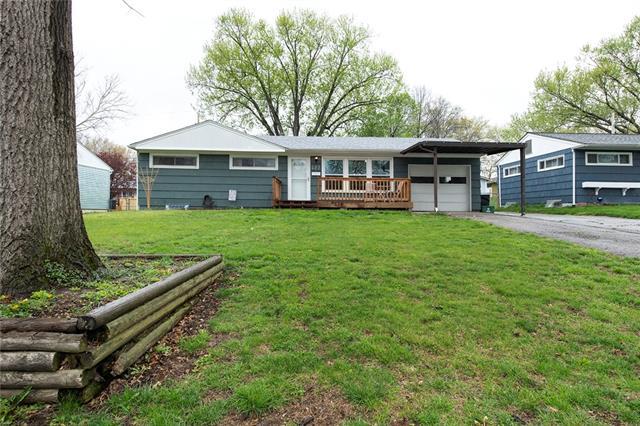 422 Park Drive Property Photo - Bonner Springs, KS real estate listing