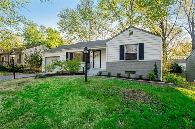 5721 Lamar Avenue Property Photo - Mission, KS real estate listing
