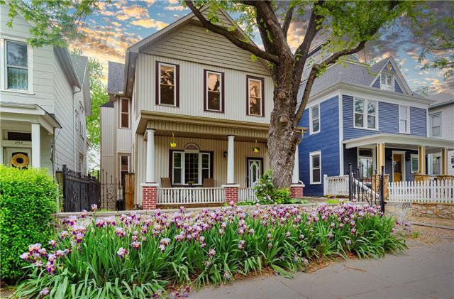 1720 Summit Street Property Photo 1