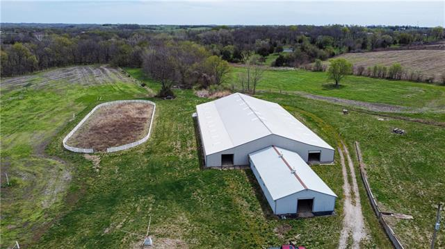 21123 Evans Road Property Photo - Tonganoxie, KS real estate listing
