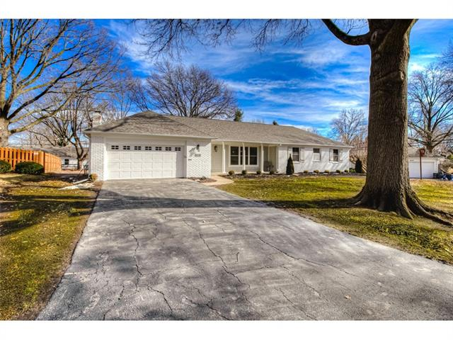 6511 Outlook Drive Property Photo - Mission, KS real estate listing