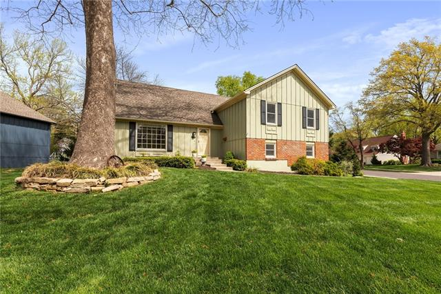 10904 W 99th Place Property Photo - Overland Park, KS real estate listing