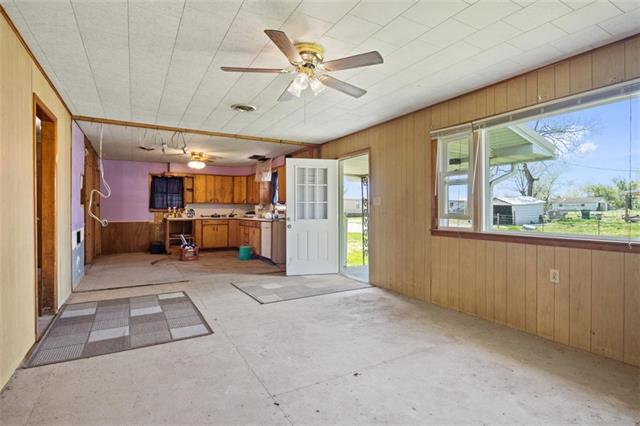 19013 First Avenue Property Photo 9