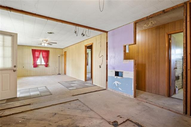 19013 First Avenue Property Photo 12