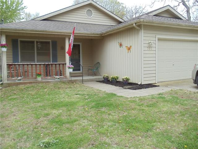 707 Newton Street Property Photo - Baldwin City, KS real estate listing