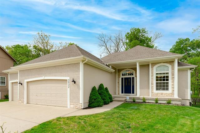 3932 NW 97TH Street Property Photo - Kansas City, MO real estate listing