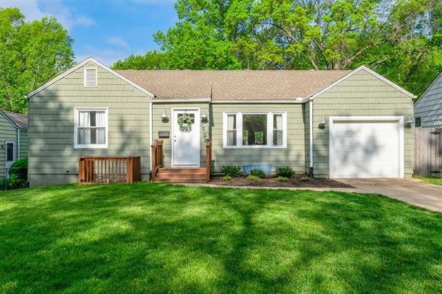 5526 Rosewood Street Property Photo - Roeland Park, KS real estate listing